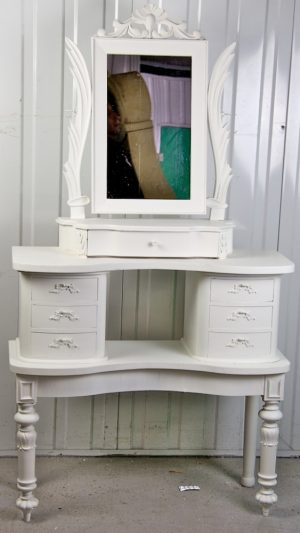 1800s White Winged Gustavian Carved Dressing Table