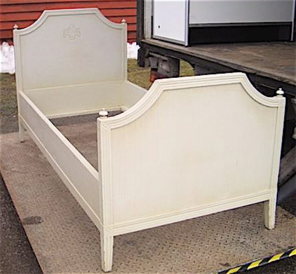Early 1900s Gustavian Single Painted Bed