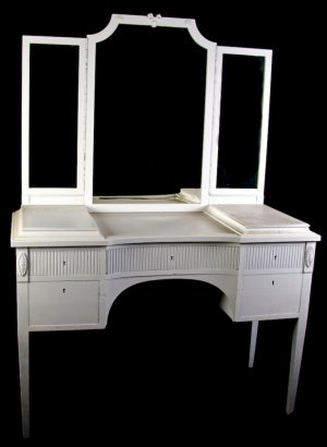 1800s White Gustavian 3 Mirror Dressing Table Ribbed Front