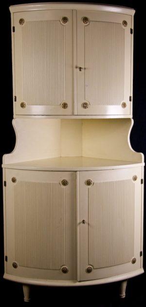 1900s Swedish Gustavian Corner Cabinet