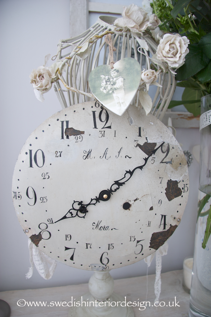 bedside table decoration with mora clock face
