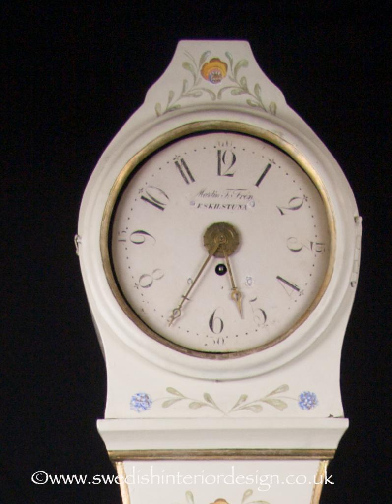 handpainted flowers white mora clock