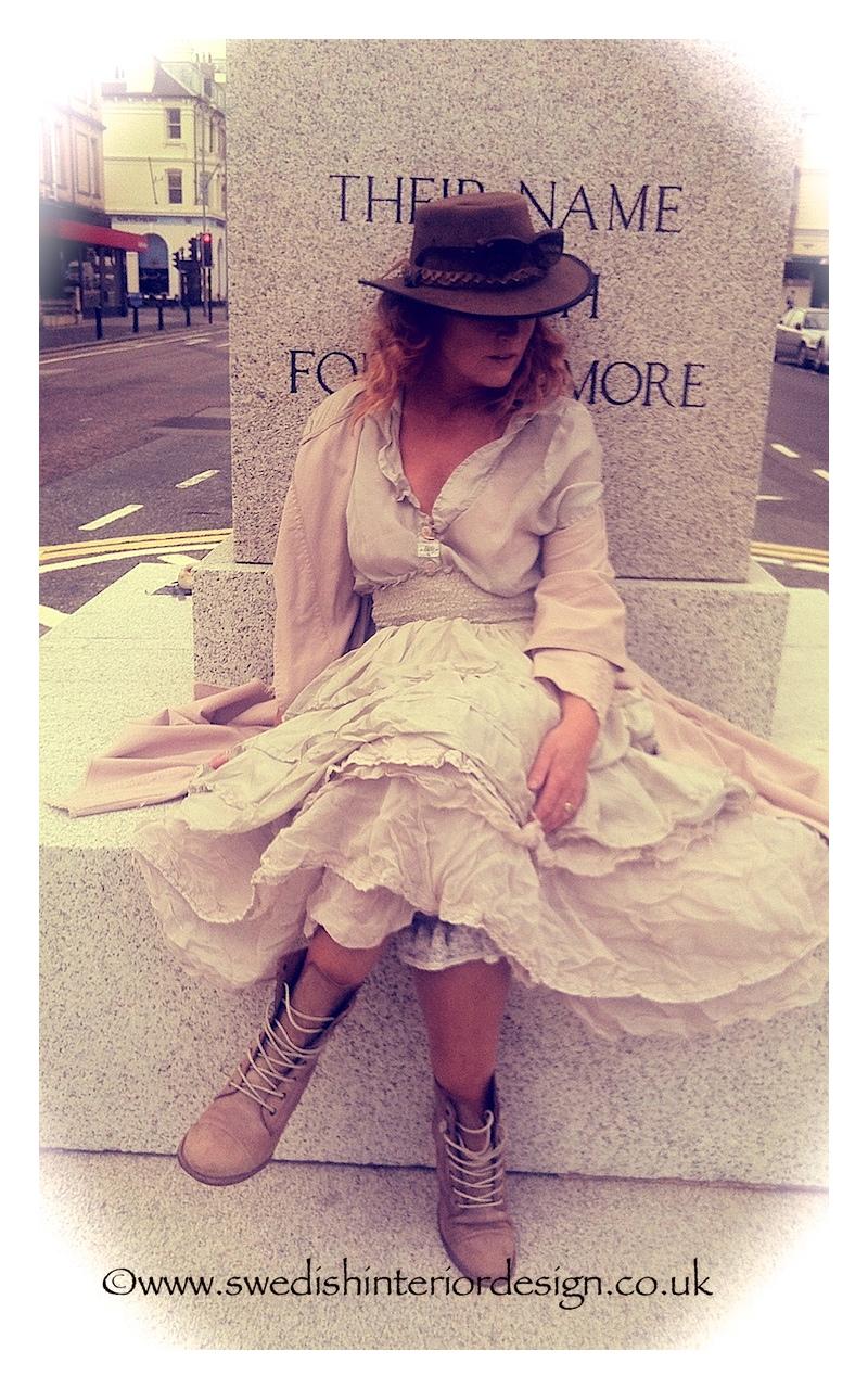 madeleine lee in ewa i wall layered skirts