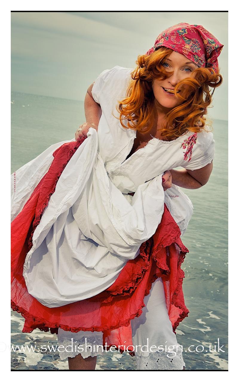 madeleine lee in ewa i walla dress