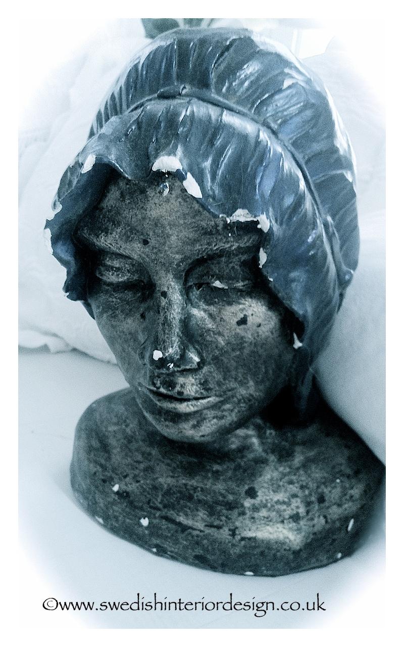 lady head sculpture