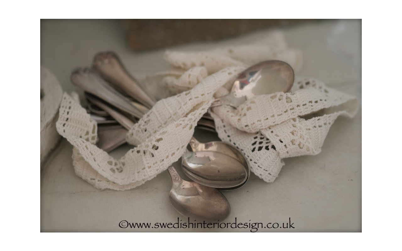 antique cutlery and antique lace