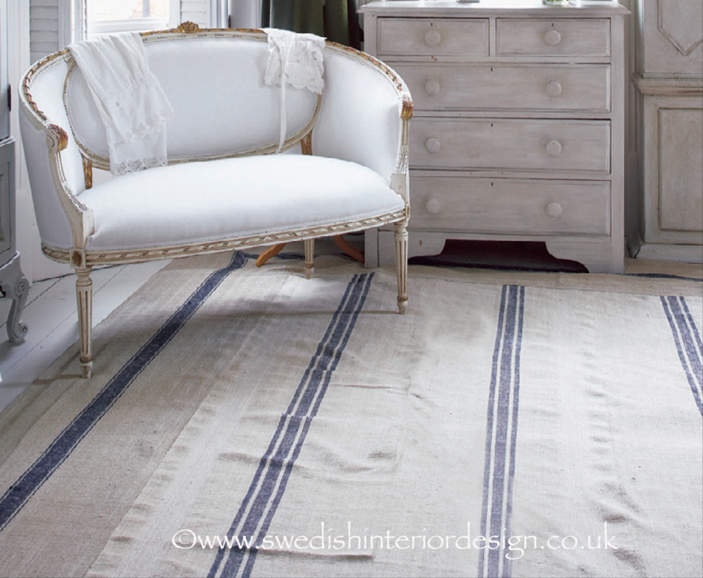 Antique Gustavian 2 seater boudoir sofa