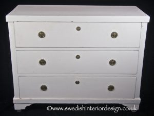 EG26 early 1800s Gustavian chest of drawers