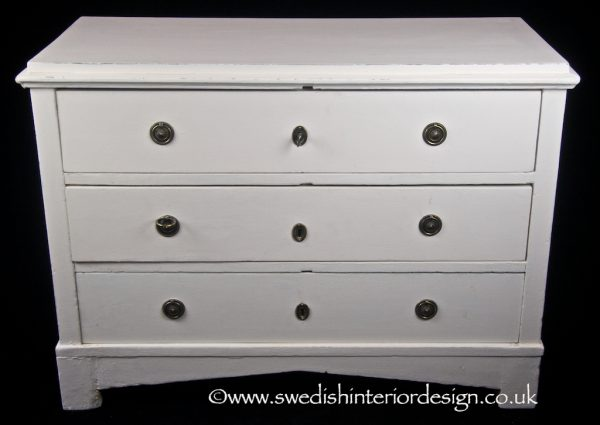 EG25 early 1800s Gustavian chest of drawers