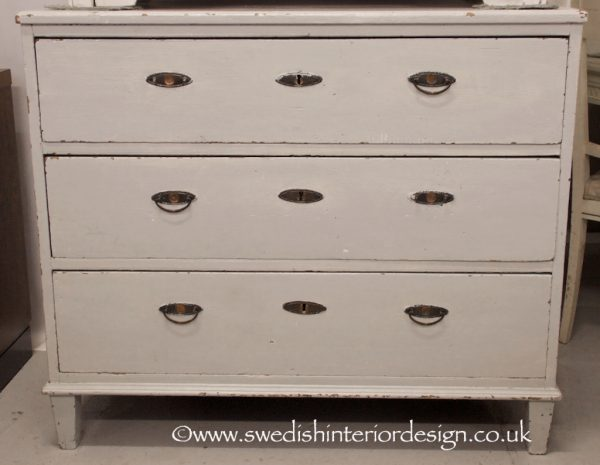 A DR17 Early 1800s Gustavian Drawers