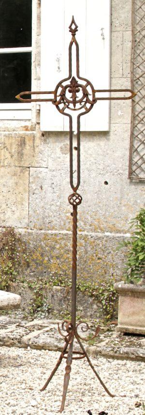 decorative 2m tall wrought iron cross