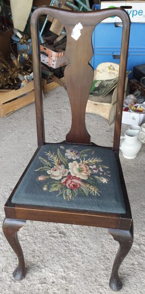 set of 8 antique late 1800s or early 1900s dining chairs