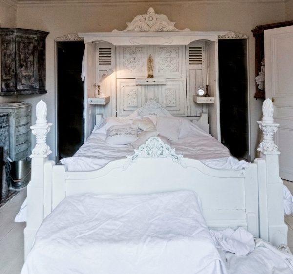 Bed 92 Bespoke Carved Superking Bed