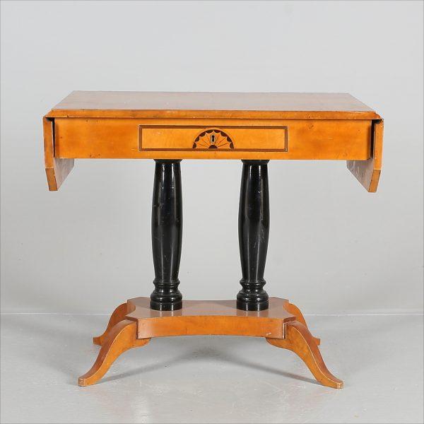 Swedish Biedermeier Dropleaf antique table golden birch late 19th century Tab 76