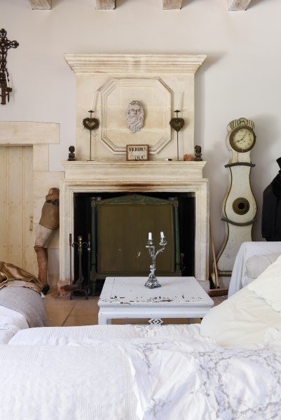 1600s rhone french charentaise fireplace
